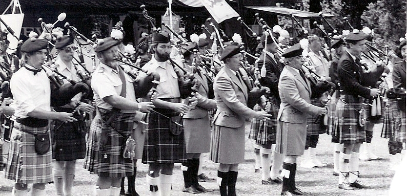 Photo courtesy of Charlie Martin Left to Right: St. Andrews Pipe Band of Modesto (PMaj Scott Campbell), Wallace Guard (PMaj Dick Boyd), Santa Rosa Pipe Band (John Creager), All Ireland Pipe Band (PMaj Bill Driscoll, PSgt Ian Campbell), Dunvegan Pipe Band (Rob Boyd, Half of PMaj Ozzie Reid)