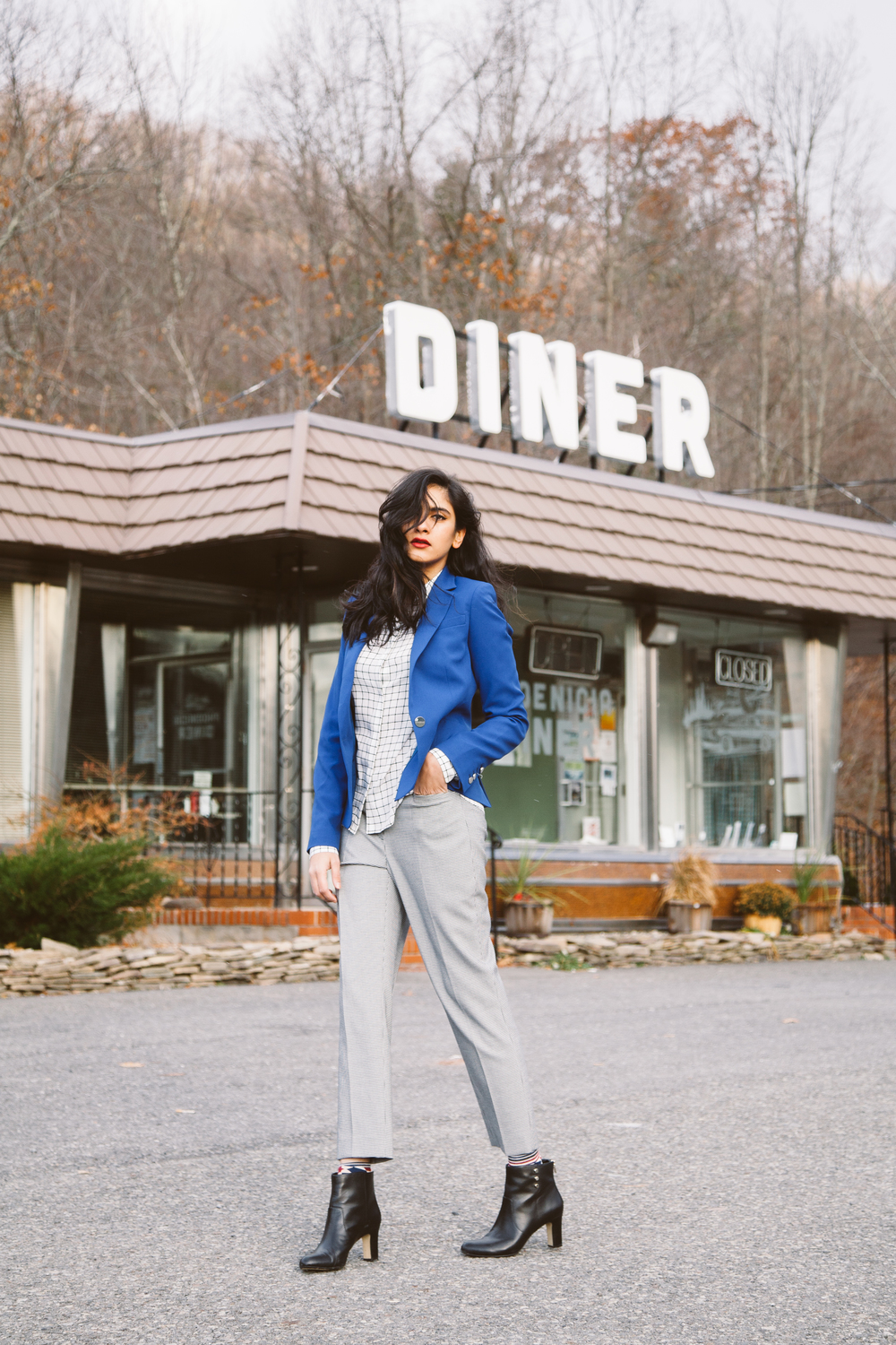 Anne Klein outfit at the Phoenicia Diner