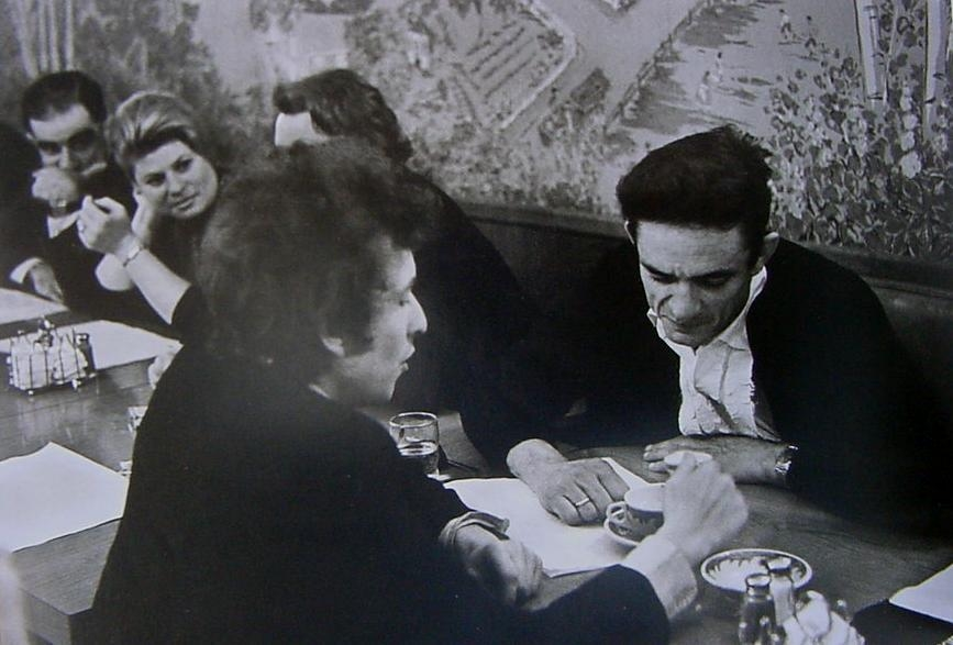 bob dylan and johnny cash drinking coffee