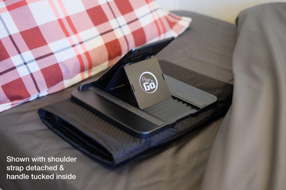 PNGO-TOTE-ipadmini-bed-1.png