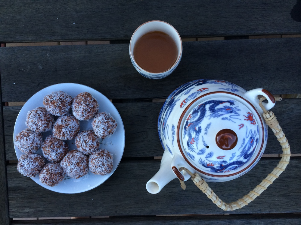 friday-foodie-naomi-arnold-bliss-balls
