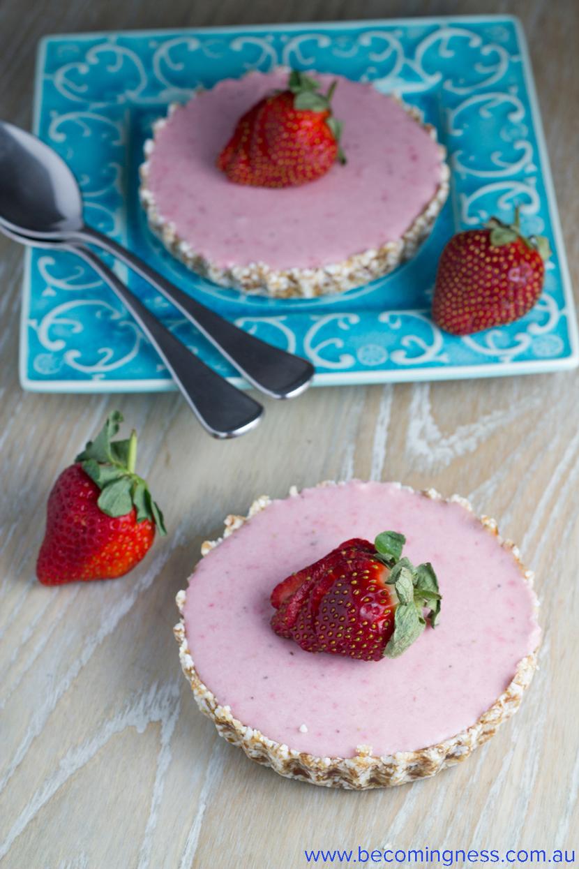Raw-Mousse-Strawberry-Tart
