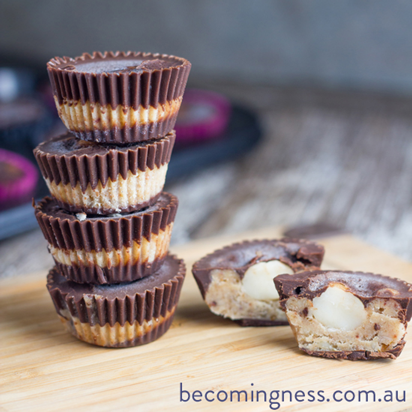 caramel-macadamia-chocolate-cups
