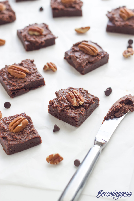 Raw-Chocolate-Brownies-with-Chocolate-Ganache
