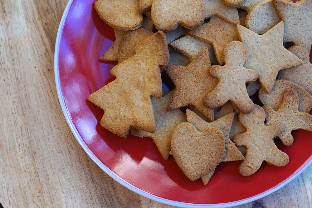 christmas-recipe-countdown-paleo-gingerbread-cookies