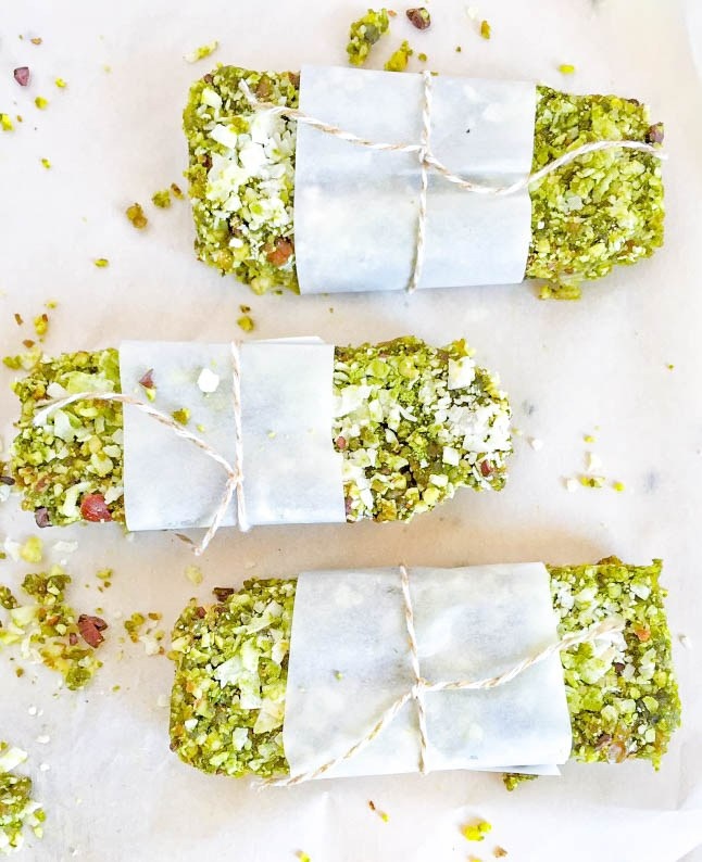coconut-matcha-energy-bars-matcha-recipes