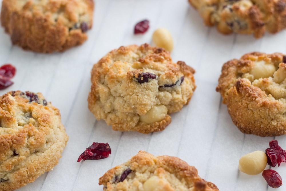 cranberry-macadamia-cookies