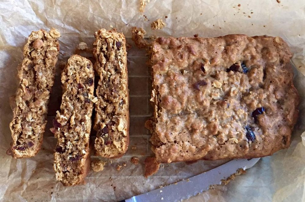 16-healthy-lunch-box-recipes-that-your-kids-will-love-oat-seed-date-bars