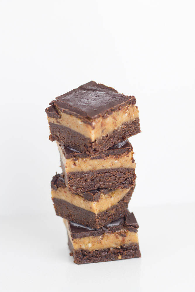 20-healthy-easter-dessert-recipes-raw-caramel-brownie-slice