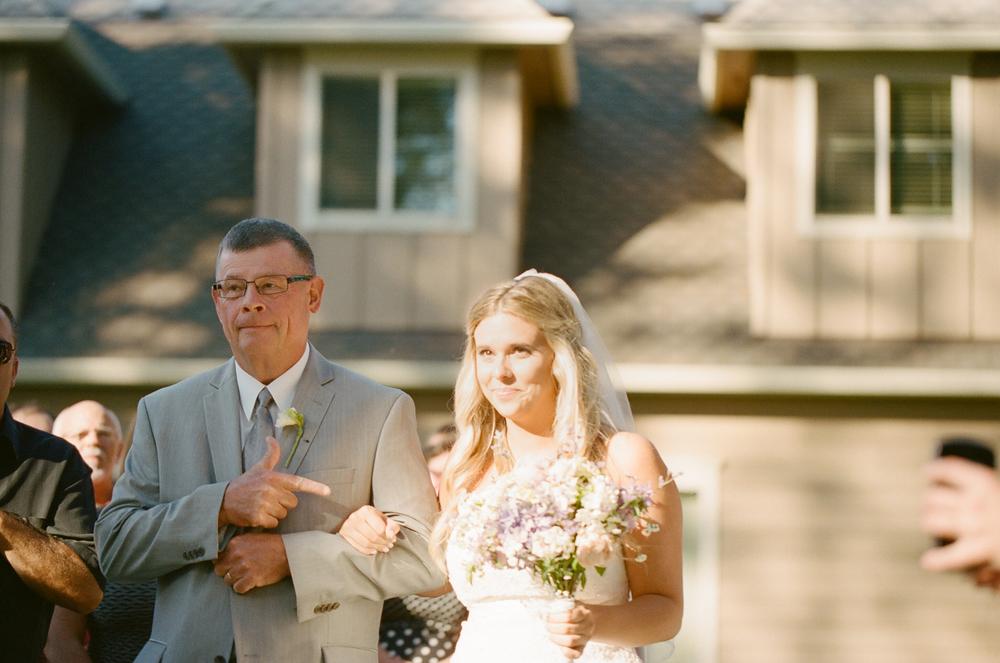 Romantic Oregon Wedding in the Woods-6