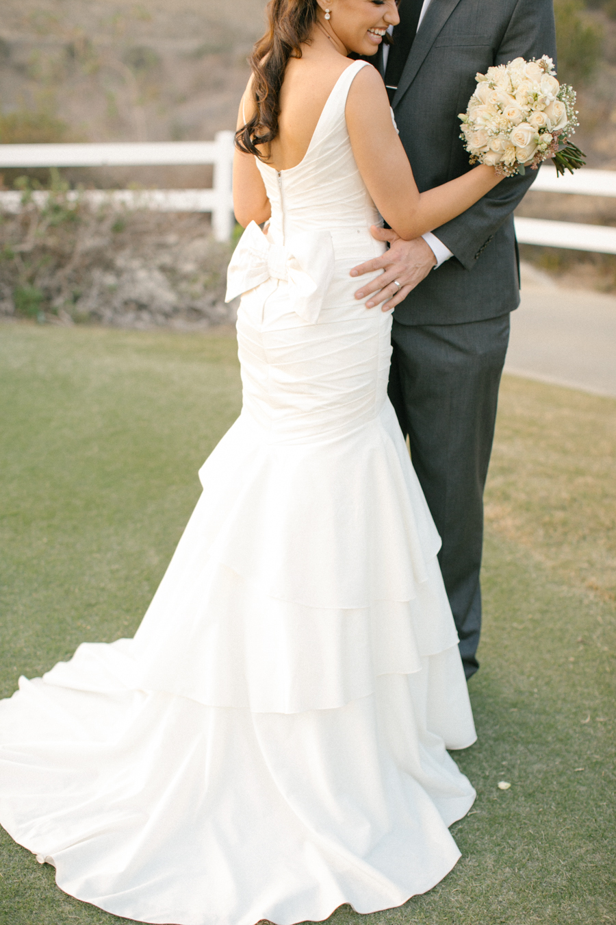 Orange County Black Gold Wedding by Michelle Cross -4a.jpg