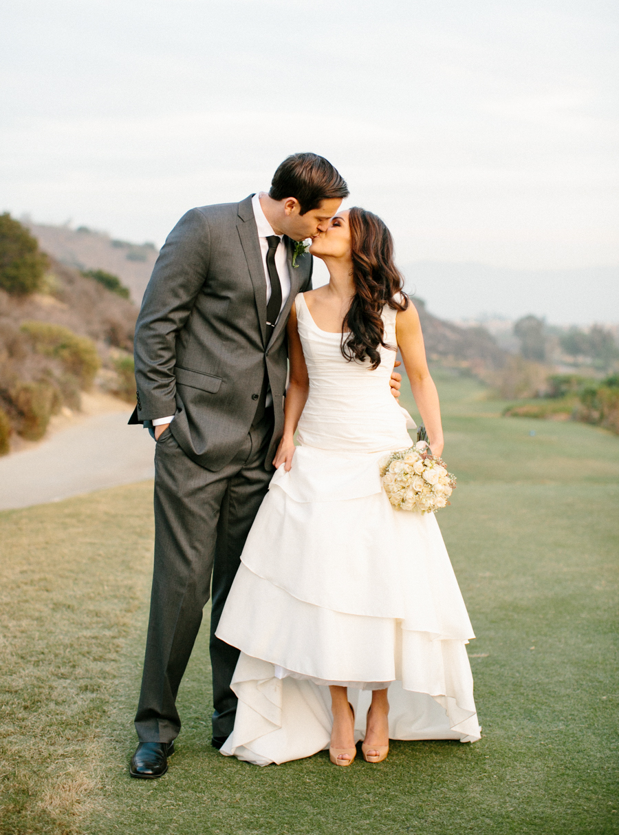 Orange County Black Gold Wedding by Michelle Cross -16a.jpg