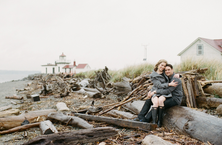 Rainy Seattle Engagement Photos-2a.jpg
