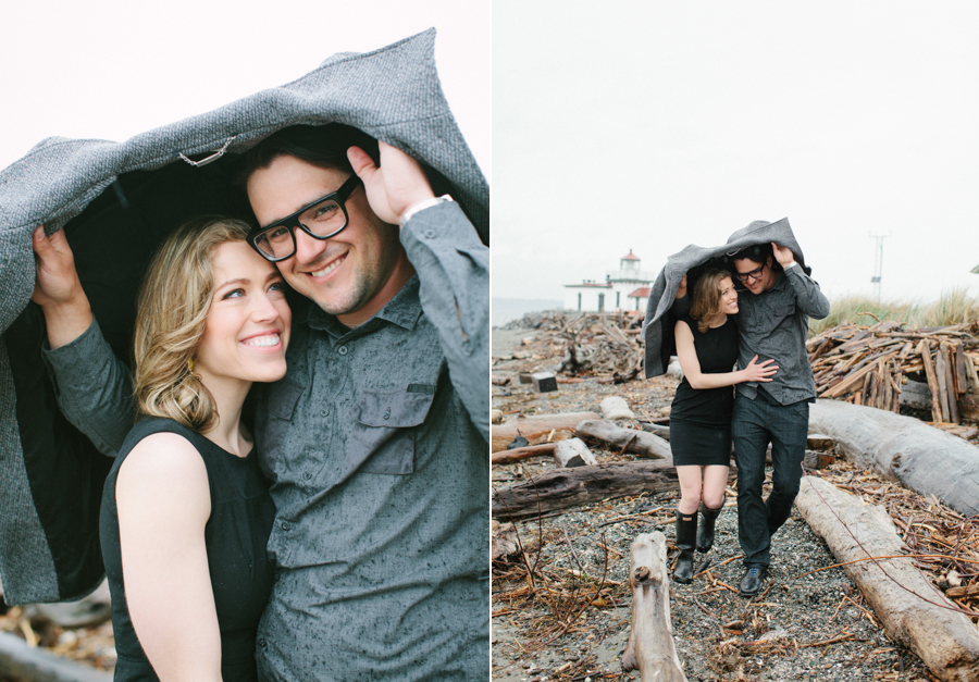 Rainy Seattle Engagement Photos-3.jpg