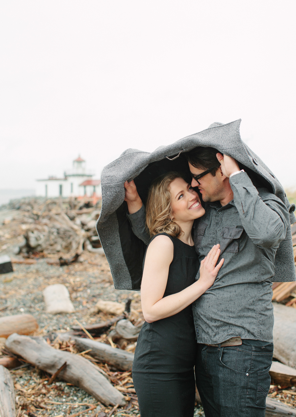 Rainy Seattle Engagement Photos-4a.jpg