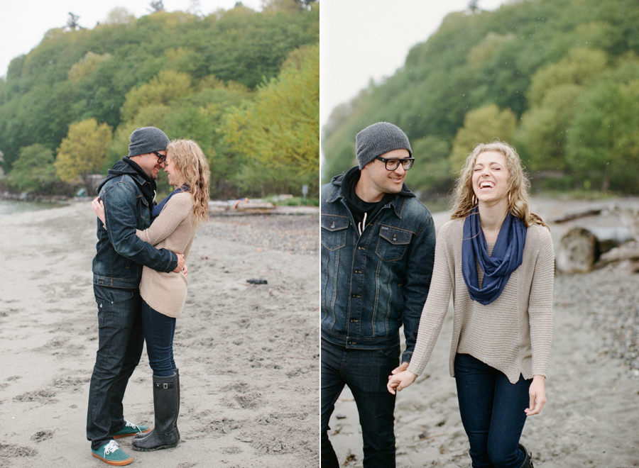 Rainy Seattle Engagement Photos-14.jpg