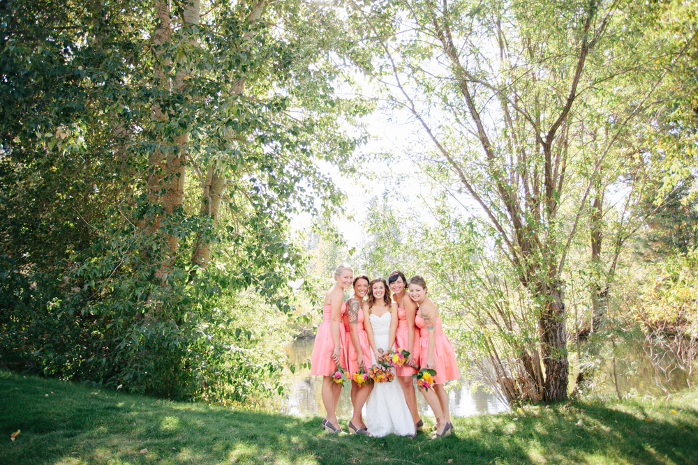 7b-Pink-Bridesmaids-at-Colorful-Outdoor-Oregon-Wedding.jpg
