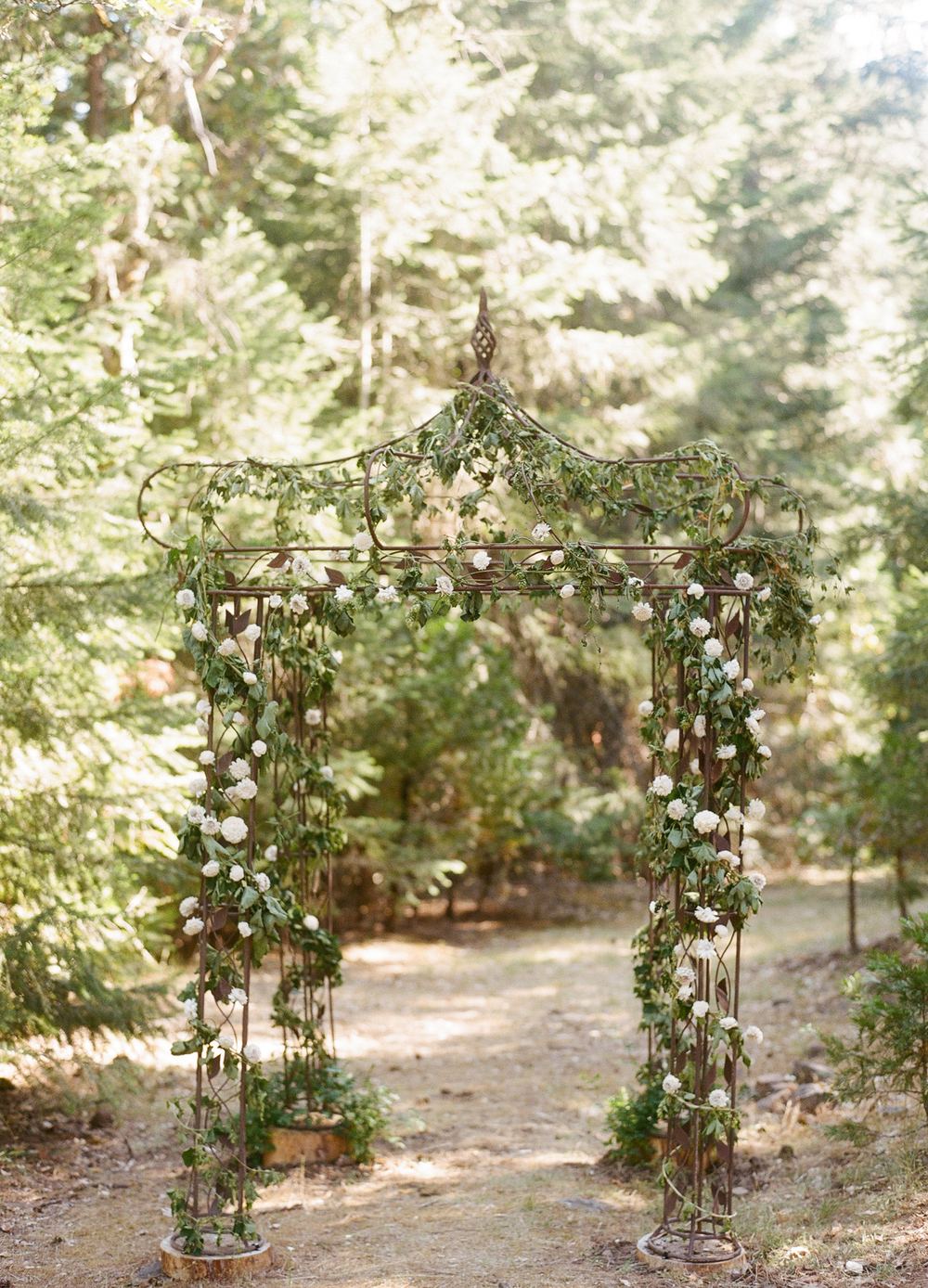 Woodsy-Outdoor-Ashland-Oregon-Wedding-4.jpg