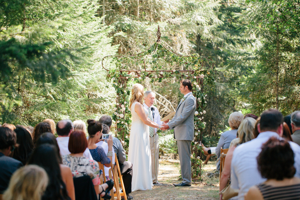 Woodsy-Outdoor-Ashland-Oregon-Wedding-55.jpg