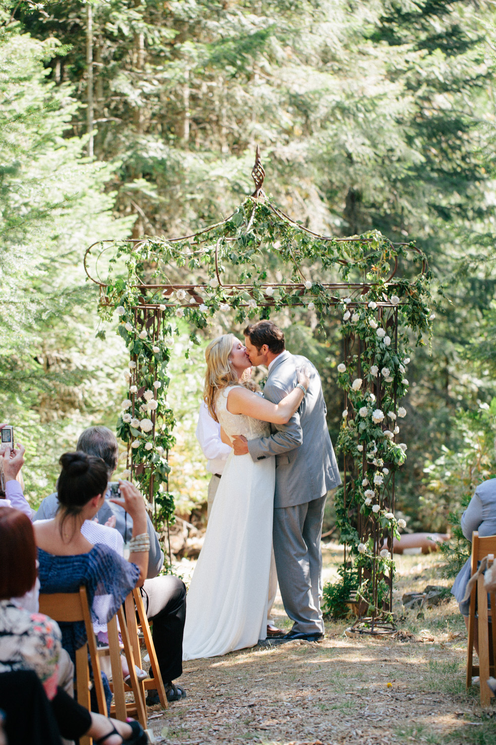 Woodsy-Outdoor-Ashland-Oregon-Wedding-60.jpg