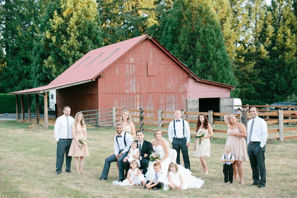 Oregon Barn Wedding by Michelle Cross-16.jpg