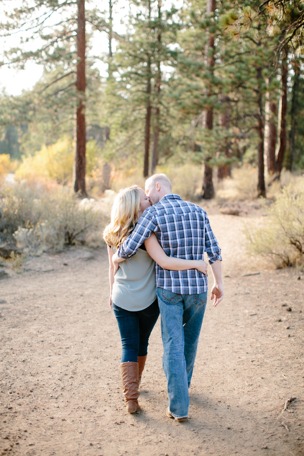 Bend Oregon Engagement Session by Michelle Cross-20.jpg