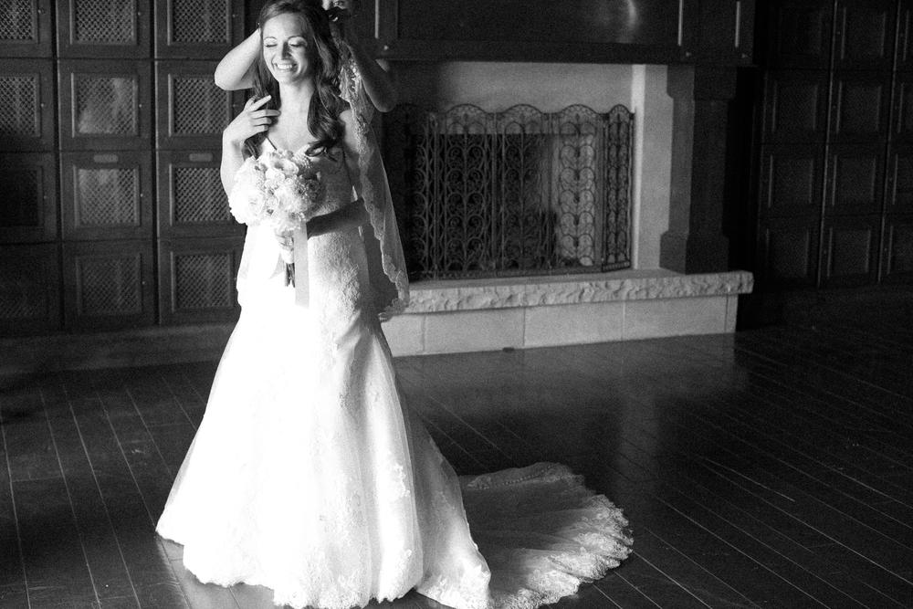 Bend Oregon Pronghorn Wedding by Michelle Cross-4.jpg