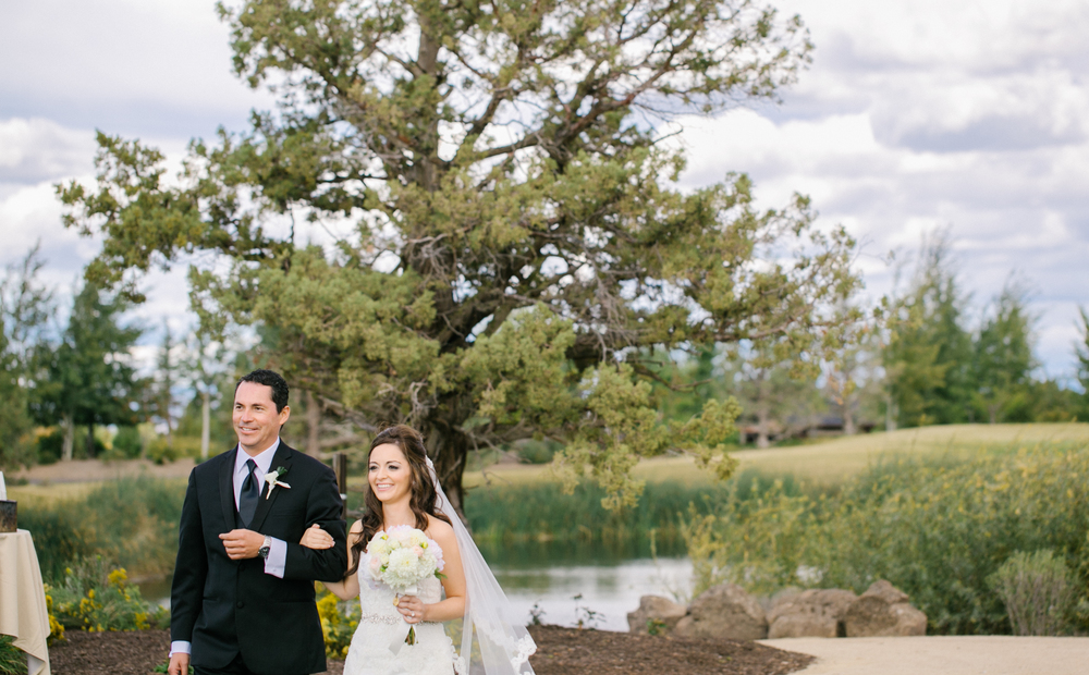 Bend Oregon Pronghorn Wedding by Michelle Cross-31.jpg