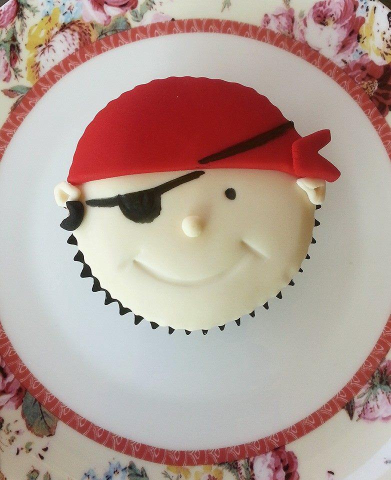 Pirate cupcake.jpg