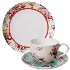 1 teacup, saucer & cake plate per guest