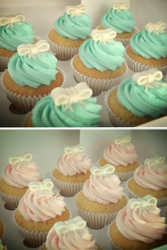 baby shower cakes.jpg