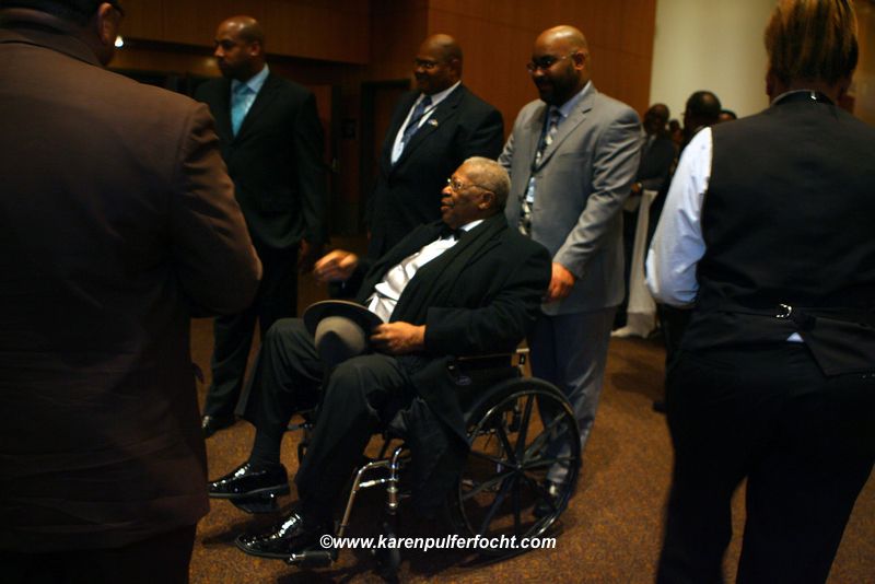 B.B. King in Wheelchair.JPG