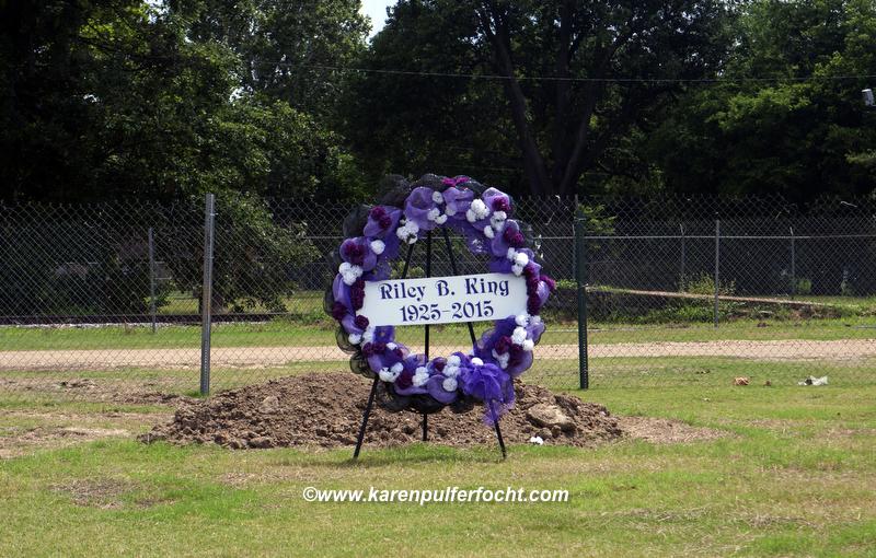 B.B. King Grave 2A.JPG