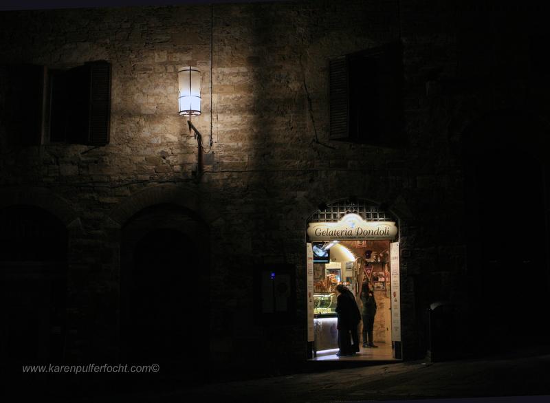 Gelato in Sangimignano 02.JPG