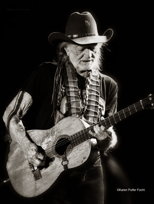 © Focht-Willie Nelson Tunica 2017.JPG