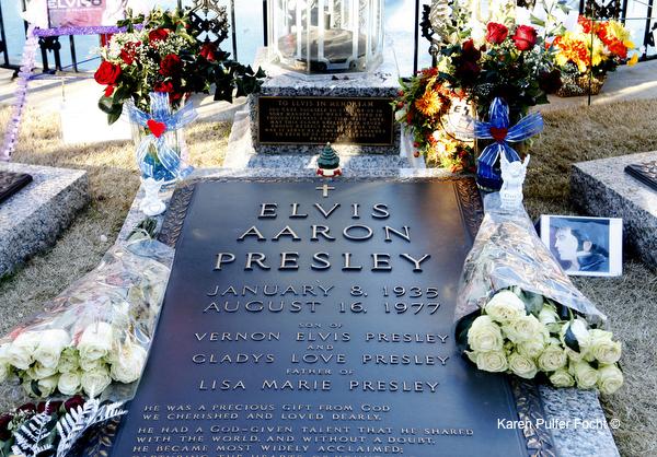 ©FOCHT Elvis Grave  295B.JPG