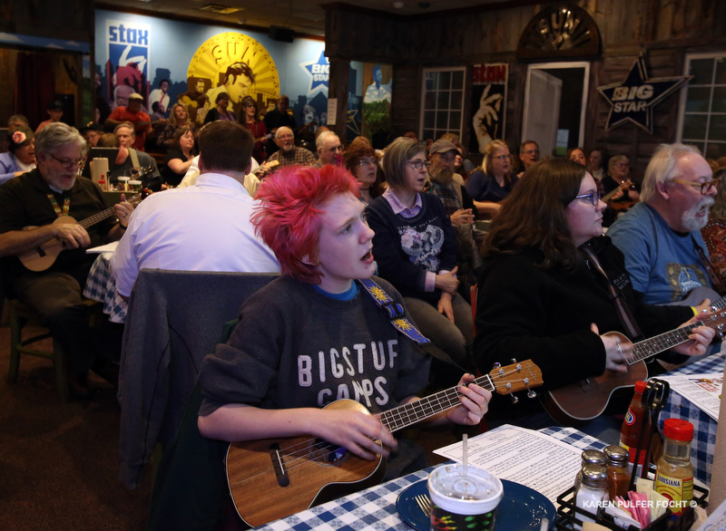 01292019 Memphis Ukulele Flash Mob ©Focht 001a.JPG