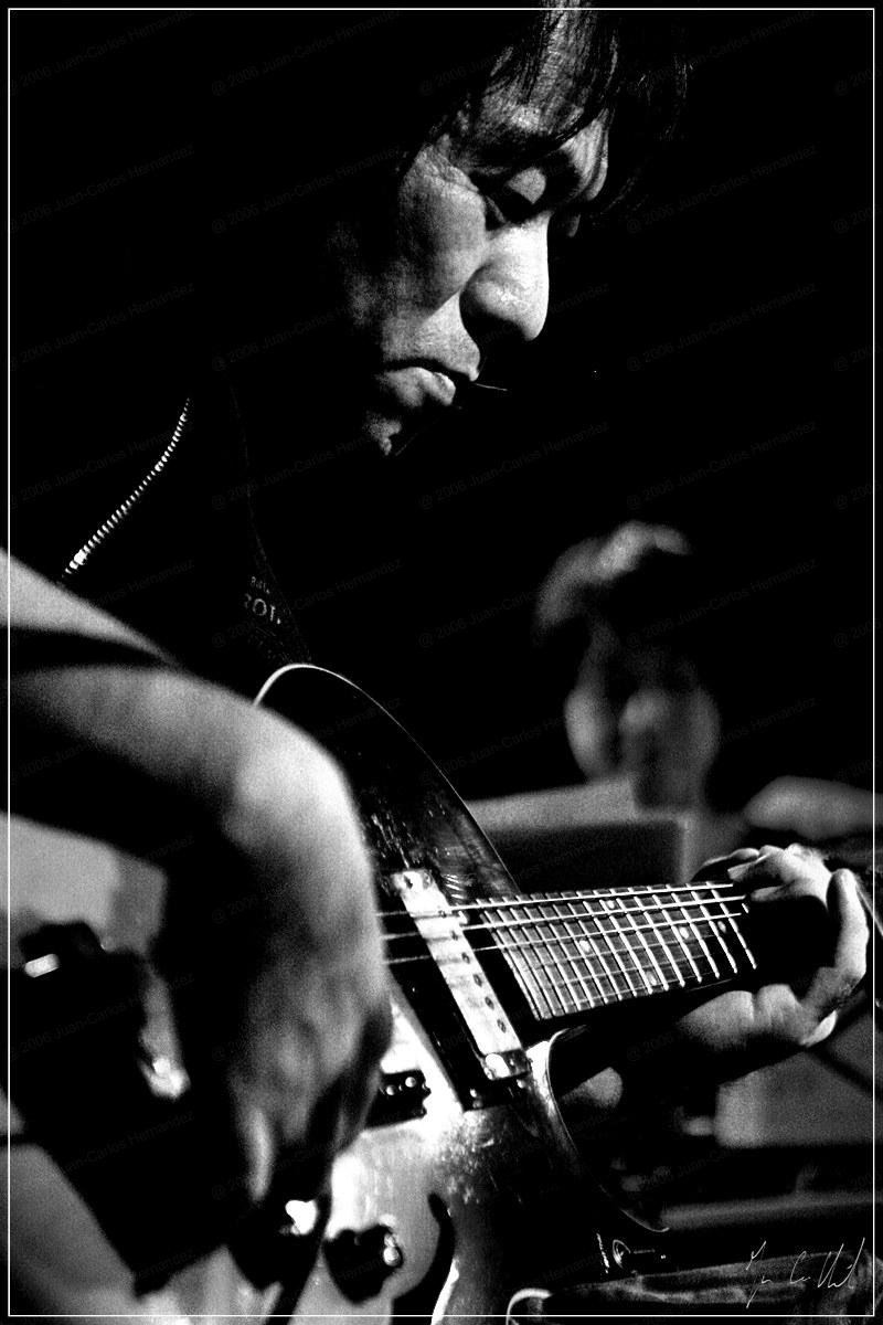 05.11.2006 065 Otomo Yoshihide DALLE Juan Carlos Hernandez guitar jazz free jazz improvisation amr sud des alpes geneva switzerland _IMG_3561.jpg