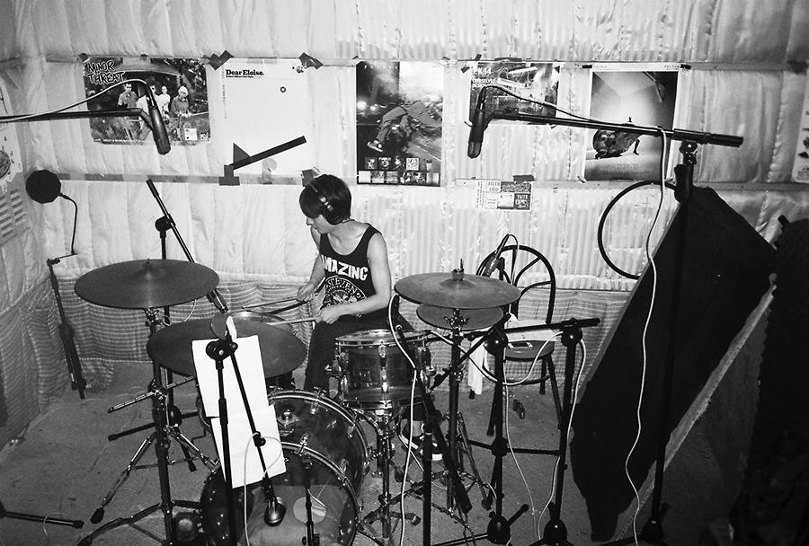 参与录音的鼓手:陈庆凯   照片摄于2014年夏天 @psychic kong  摄影:小文.jpg