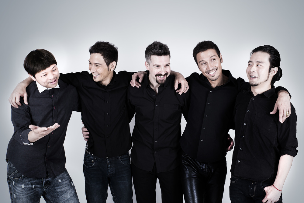 Solerband+blackshirt+all+1-.jpg