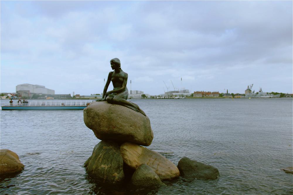 Skuespilhusets Foyer附近的著名景点:小美人鱼