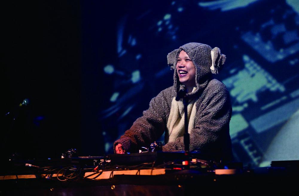 """Kid Koala 树熊小孩(1974- ),加拿大华裔DJ、""""唱盘演奏家"""""""