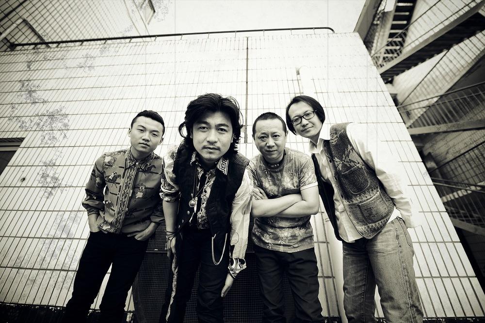 低苦艾乐队3.jpg