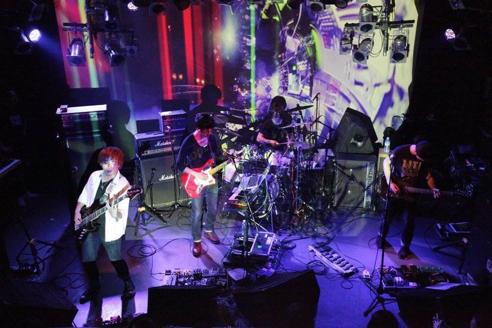 LITE LIVE 5.jpg
