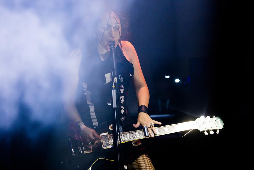第三届明天音乐节5月11日 第二场 意大利OvO组合- Stefania Pedretti 是一位有些疯狂的歌手兼吉他手.jpg