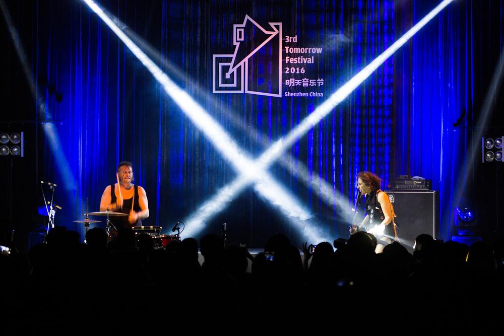 第三届明天音乐节5月11日 第二场 意大利噪音摇滚双人组合OvO 演出现场.jpg