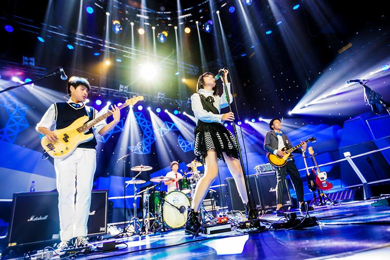 4央视《超级乐队》.jpg