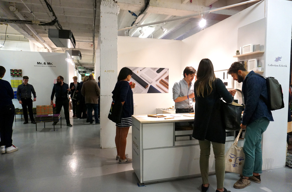 AJOTO_designjunction_stand2.jpg