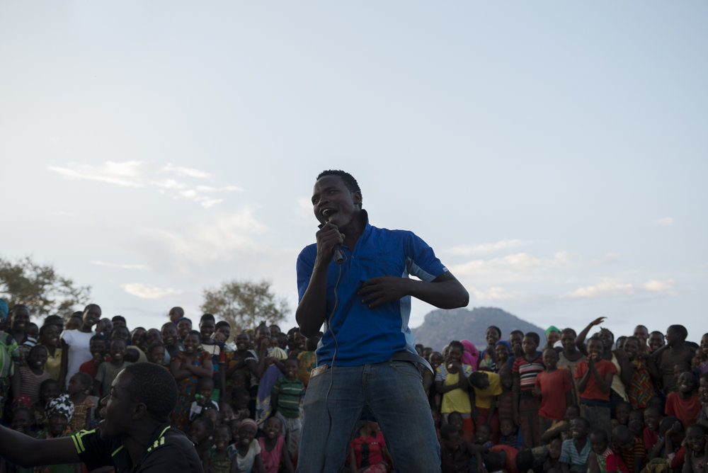 An action day singing contest