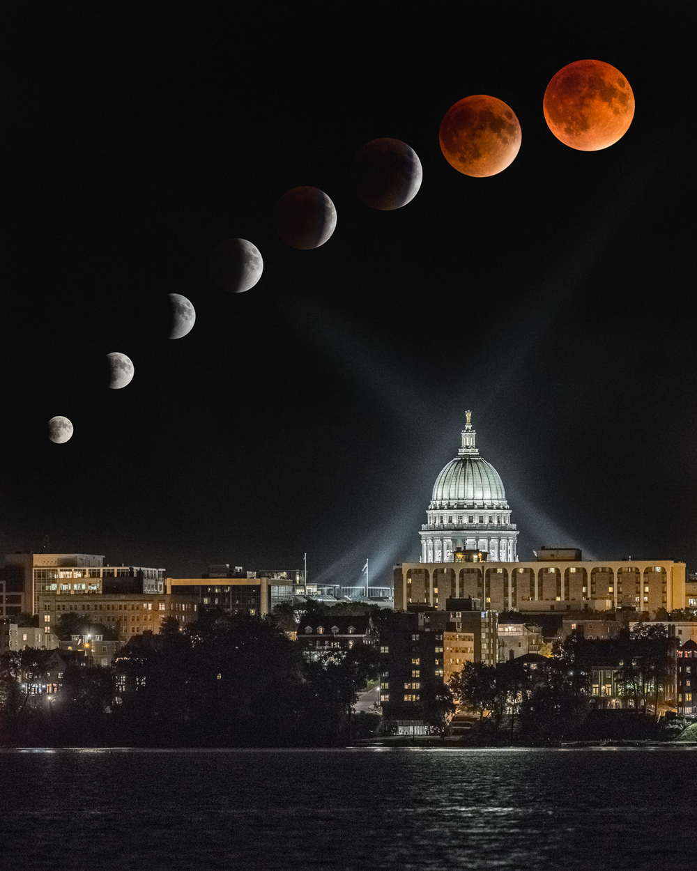 Super Blood Harvest Moon Rising over the Capitol